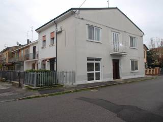 Foto - Casa indipendente 100 mq, buono stato, Via Frutteti, Ferrara