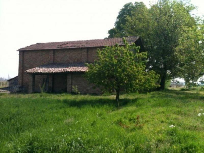 foto ESTERNO Rustico / Casale in Vendita a Ravenna