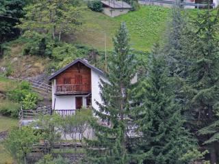 Foto - Casa indipendente strada Antey Saint André, frazione Grand Moulin 10, Antey Saint Andre'