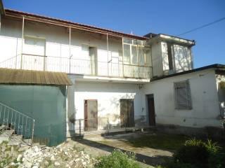 Foto - Palazzo / Stabile due piani, da ristrutturare, Pastorano