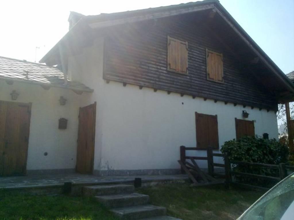 foto Esterno 3-room flat frazione Targnod, Challand-Saint-Victor