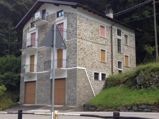 foto ESTERNO 2-room flat via Prato, Torre di Santa Maria
