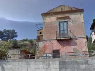 Foto - Palazzo / Stabile due piani, da ristrutturare, Maddaloni