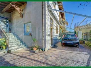 Foto - Bilocale via Giuseppe Mazzini, Bisuschio