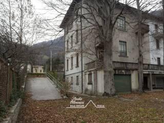 Foto - Villa, buono stato, 450 mq, Canzo