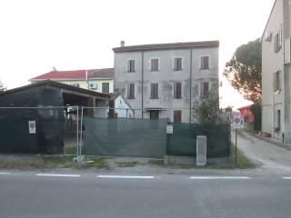Foto - Palazzo / Stabile via Guglielmo Marconi 66, Poggio Rusco