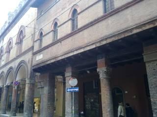 Attività / Licenza Vendita Bologna  1 - Centro Storico