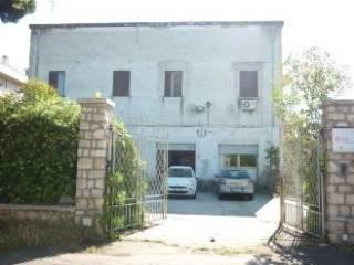 Foto - Palazzo / Stabile due piani, da ristrutturare, Sabaudia