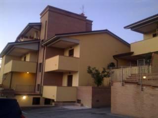 Foto - Trilocale nuovo, piano rialzato, Villa, Magione