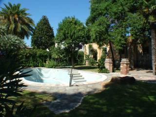 Foto - Villa viale Alcide de Gasperi 47-53, Porto, San Felice Circeo
