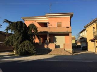 Foto - Quadrilocale buono stato, primo piano, Roncaglia, Piacenza