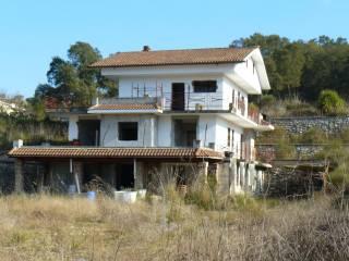 Foto - Stabile o palazzo quattro piani, nuovo, Itri
