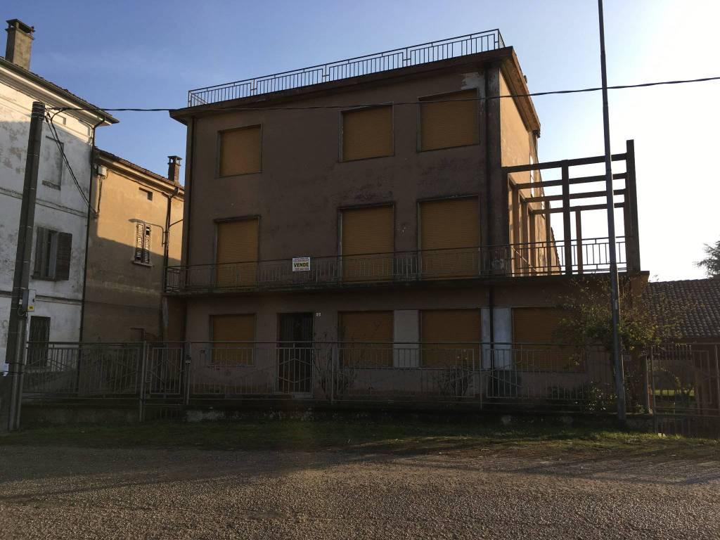 foto  Villa, buono stato, 350 mq, Commessaggio