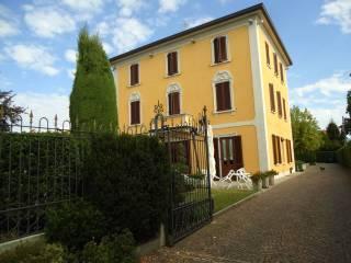 Foto - Palazzo / Stabile tre piani, ottimo stato, Verderio