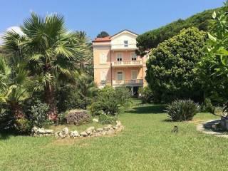Foto - Appartamento ottimo stato, piano terra, Sanremo