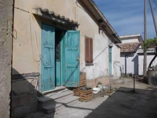 Foto - Rustico / Casale, da ristrutturare, 2 mq, Borgia