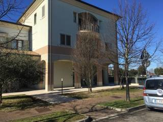 Ufficio In Condivisione Rimini : Annunci immobiliari uffici e studi rimini provincia pag