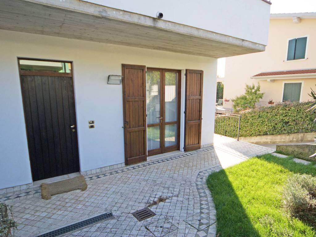 foto esterno Villa bifamiliare via Castellana, Soiano del Lago