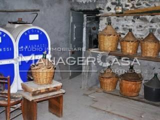 Foto - Palazzo / Stabile tre piani, da ristrutturare, Mezzema, Deiva Marina