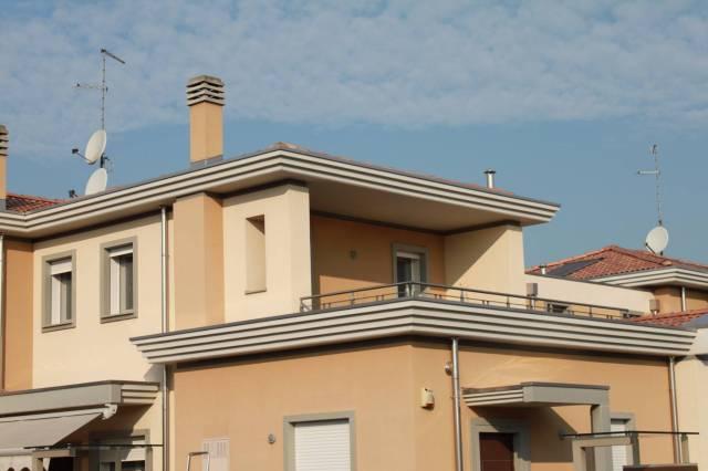 Villa in vendita a Ghisalba, 3 locali, prezzo € 216.000 | Cambio Casa.it