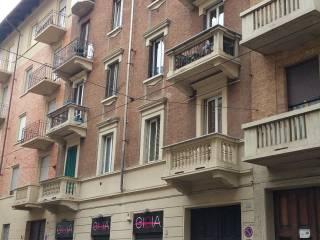 Foto - Bilocale buono stato, terzo piano, Borgo Vittoria, Torino
