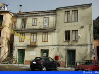 Foto - Palazzo / Stabile tre piani, da ristrutturare, Lauria