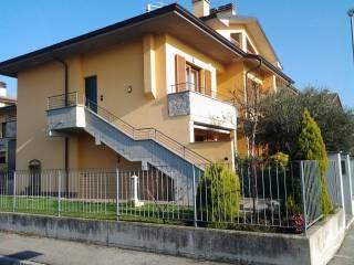 Foto - Quadrilocale via Puccini, Pognano