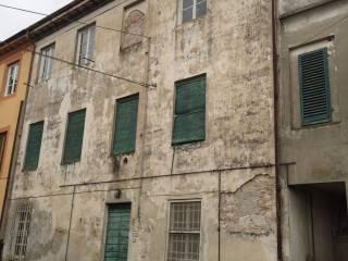 Foto - Palazzo / Stabile due piani, da ristrutturare, San Lorenzo a Vaccoli, Lucca