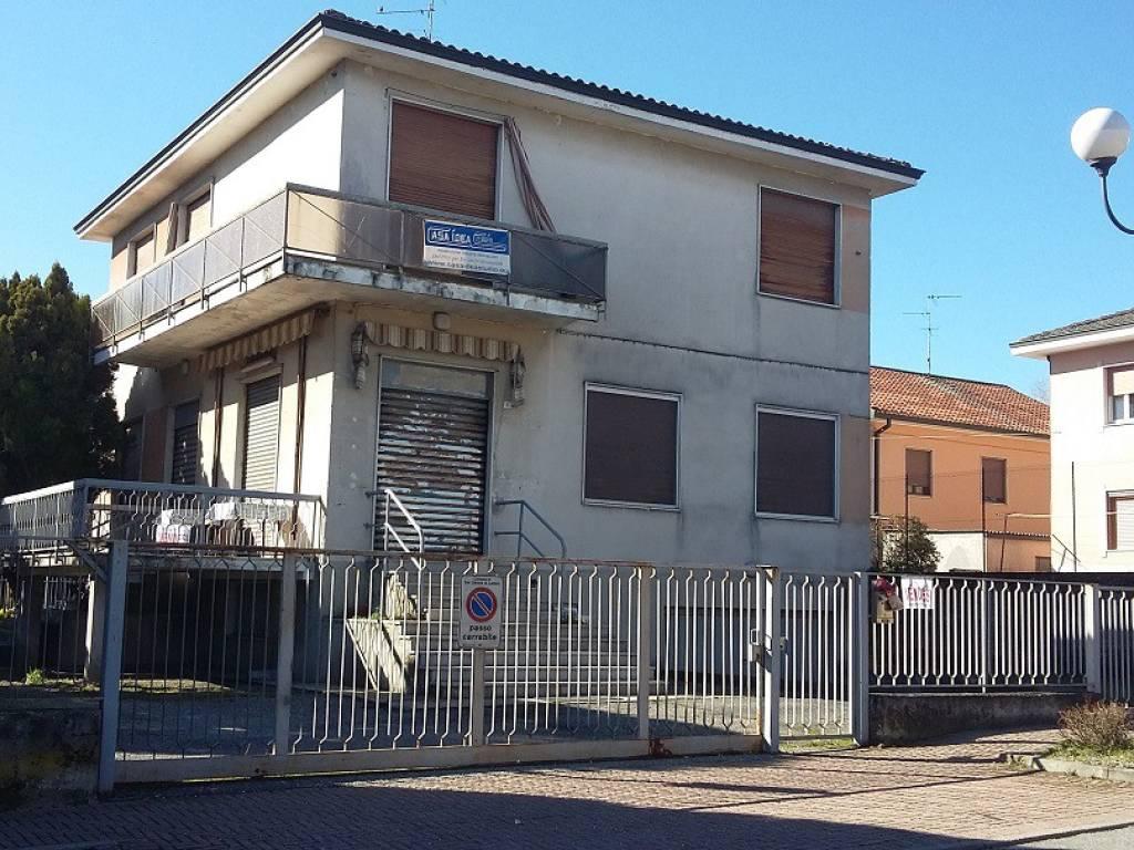 foto  Detached house via dante alighieri 1, San Zenone al Lambro