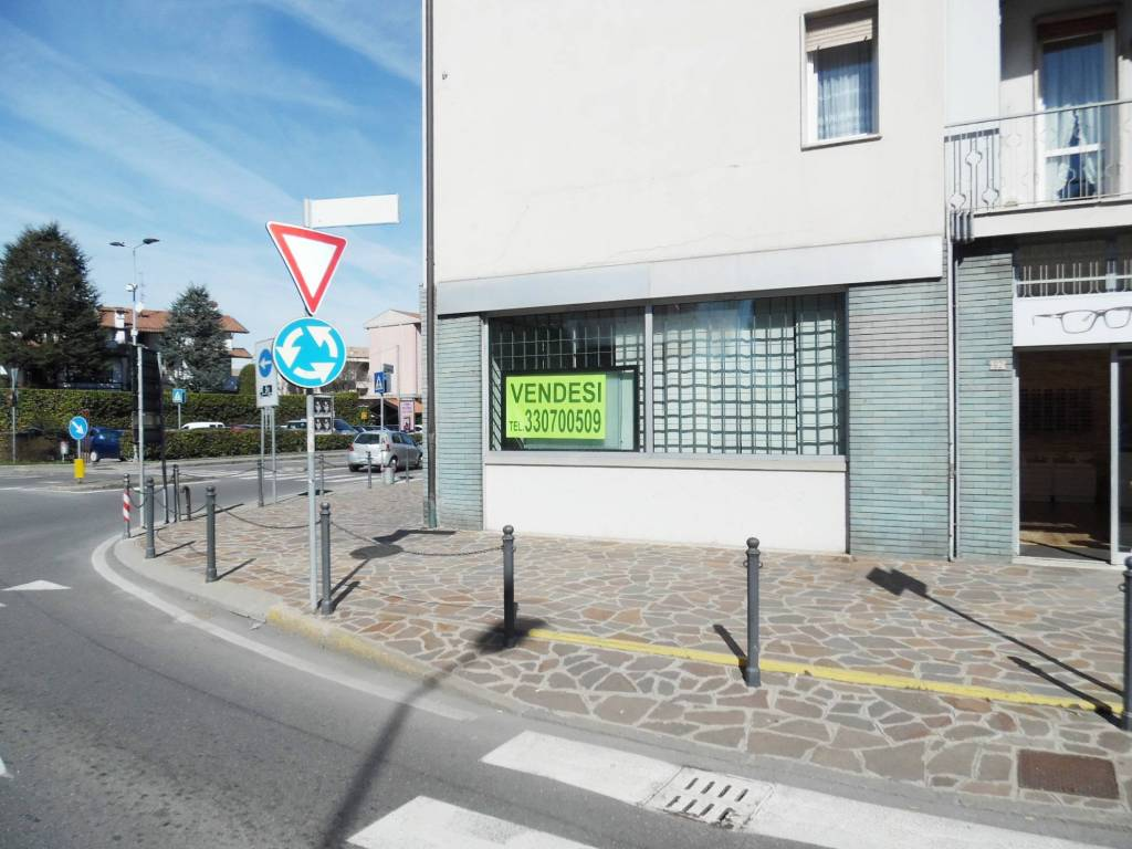 foto ESTERNO Shop for sale