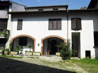 Foto - Casa indipendente via Guglielmo Oberdan 3, Brunello