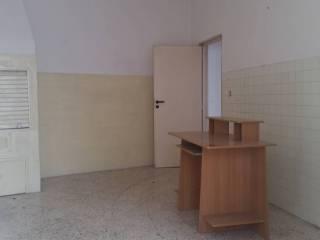 Foto - Bilocale da ristrutturare, secondo piano, Bitonto
