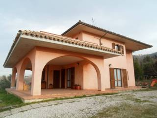 Foto - Villa via largo Vinciguerra, Civitella Del Tronto