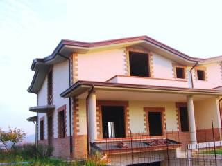 Foto - Villetta a schiera 5 locali, nuova, Casa del diavolo, Perugia
