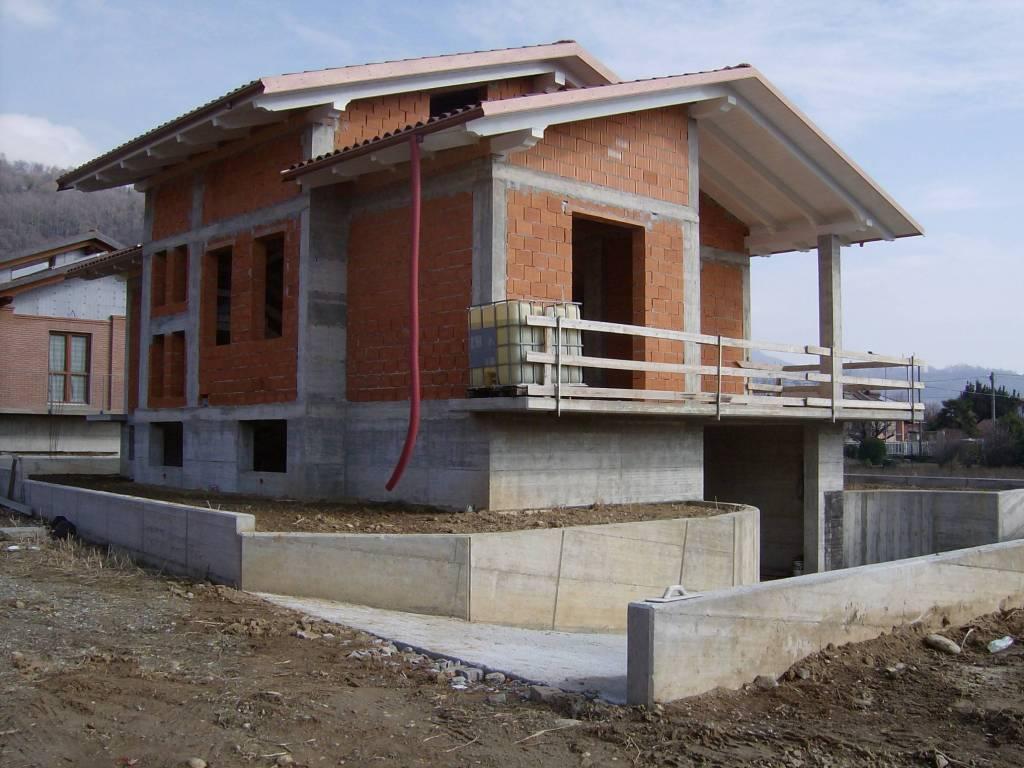 foto  Single family villa via Valle dell'Orco, Cuorgnè