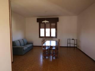 Foto - Appartamento ottimo stato, ultimo piano, Poggio Rusco