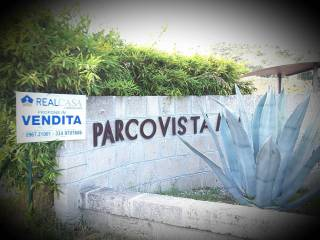 Foto - Villa via Marco Aurelio Cassiodoro 65, Montepaone Lido, Montepaone