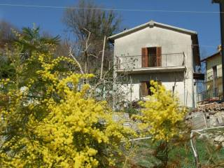Foto - Casa indipendente 109 mq, da ristrutturare, Sant Andrea, Montenero Sabino