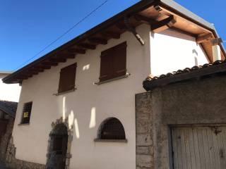 Foto - Casa indipendente via Papa Leone XIII 57, Gazzaniga