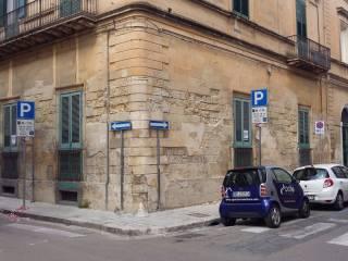 Foto - Appartamento da ristrutturare, piano rialzato, Centro Storico, Lecce