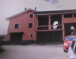 Attività / Licenza in vendita a Santena, 6 locali, prezzo € 145.000   Cambio Casa.it