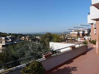 Foto - Appartamento buono stato, ultimo piano, Giustiniana, Roma
