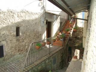 Foto - Trilocale via Giacomo Matteotti 1, Toffia