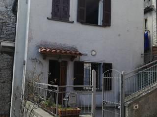 Foto - Bilocale via Giuseppe Garibaldi 1, Castell'Azzara