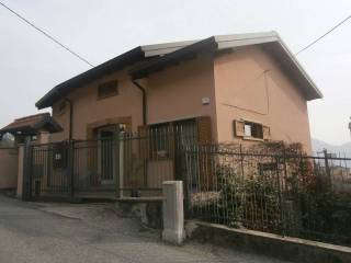 Foto - Casa indipendente via Don Gaetano Solaro 30, Airuno