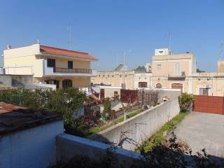 Foto - Trilocale da ristrutturare, piano terra, Ceglie del Campo, Bari