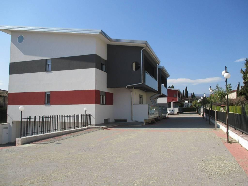 foto  Appartamento nuovo, primo piano, Rende
