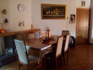 Foto - Trilocale buono stato, primo piano, Castelraimondo