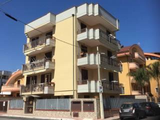 Foto - Palazzo / Stabile tre piani, nuovo, Taranto