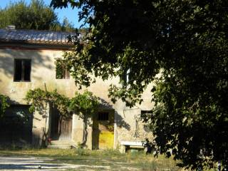 Foto - Rustico / Casale, da ristrutturare, 550 mq, Offagna